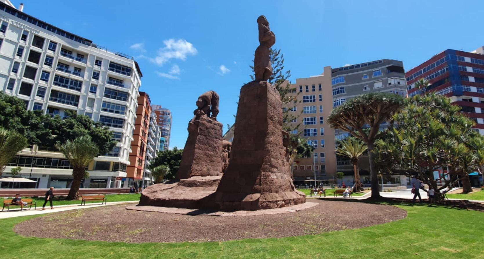 Plaza de España en Zona Mesa y López