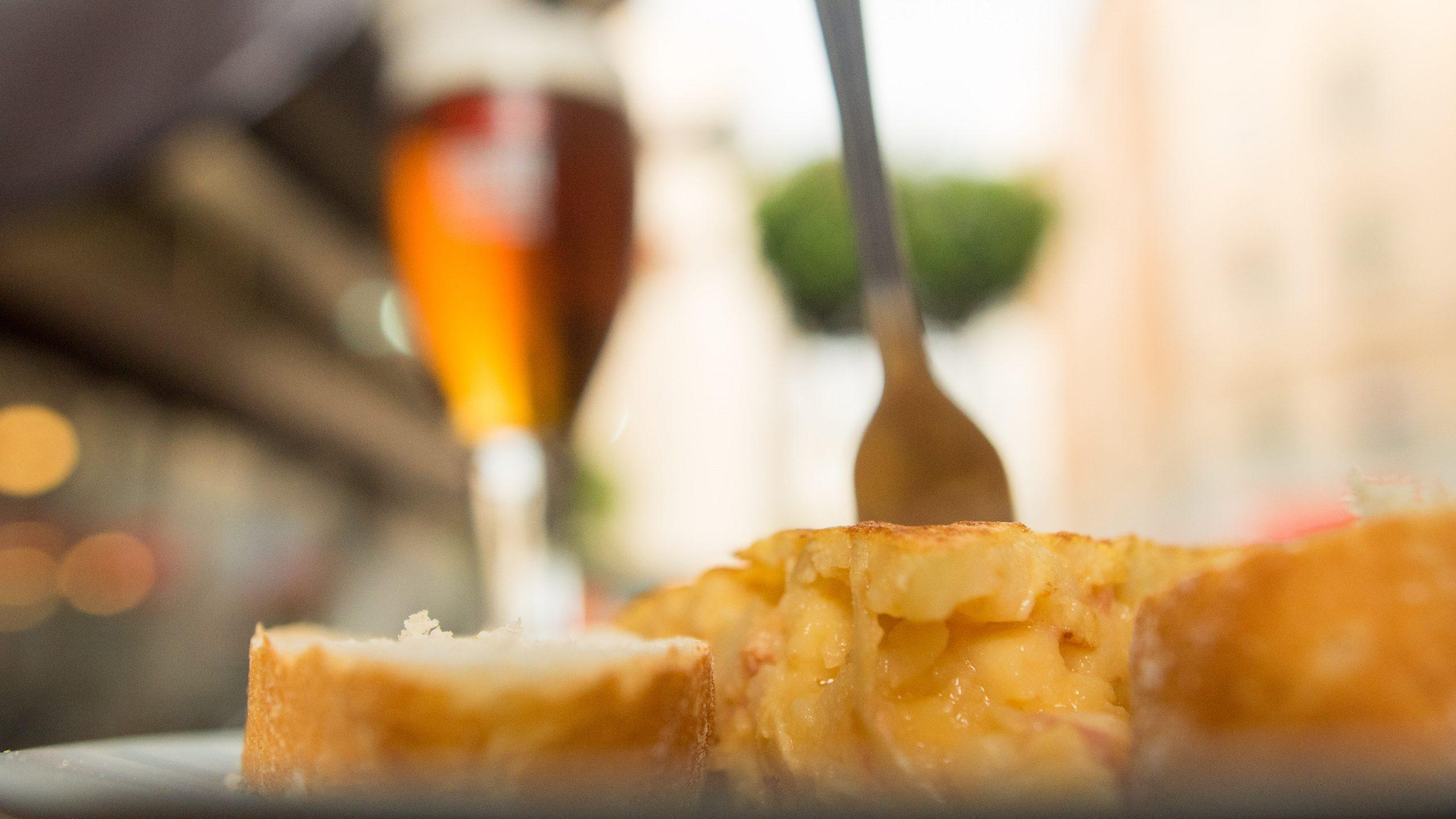 Pinxo de tortilla en Las Tasquita Vieja en Zona mesa y López