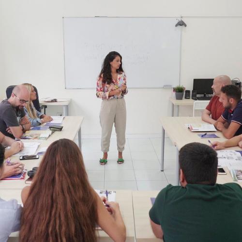 Curso de verano de inglés para adultos en Language Campus