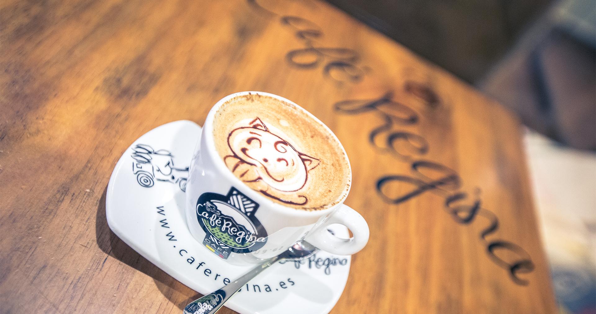 Foto de Café Regina en Zona Mesa y López